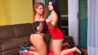 Colombian babes orgasm in lesbian vengeance fuck - Tu Venganza