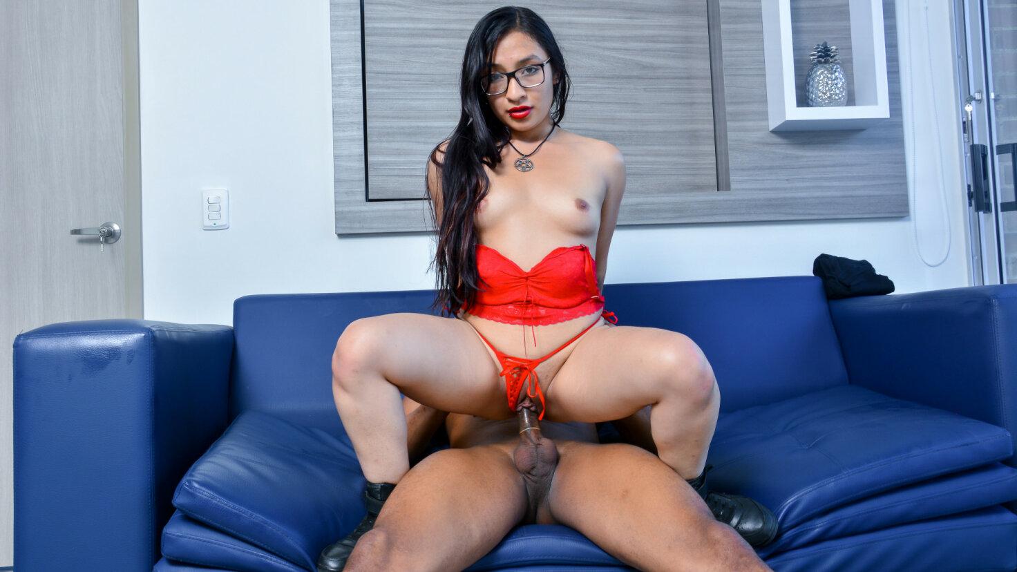Sweet Latina Eva Cuervo gets cum on her glasses in hot pickup and fuck - Carne del Mercado